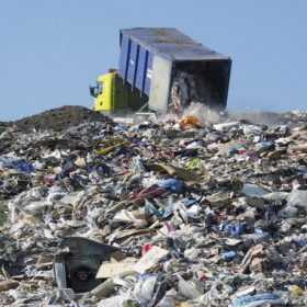 Хмельницьке сміттєзвалище приносить гроші