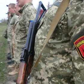 Нардепи від Хмельниччини підтримали добровольців