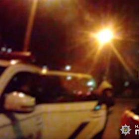 У Хмельницькому п'яний водій вчинив ДТП і намагався підкупити патрульного