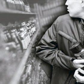 У Кам'янці-Подільському чоловік 8 разів крав каву з супермаркетів