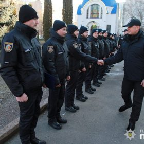 Лави поліції Хмельниччини поповнили 11 хлопців та дівчат,