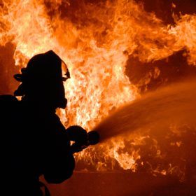 На Хмельниччині через куріння спалахнула смертельна пожежа