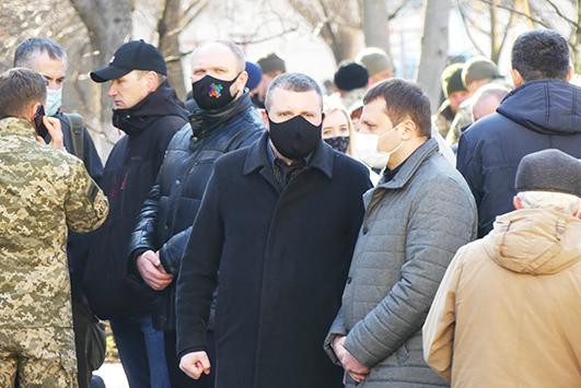 Прибув до Кам'янця-Подільського попрощатися із земляком голова Хмельницької обласної державної адміністрації Сергій Гамалій.