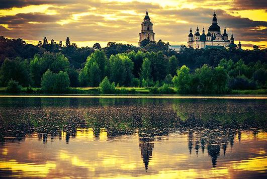 Місто легенд Чернігів з великою кількістю сакральних споруд