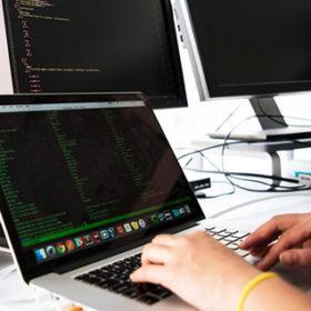 Школярка з Хмельницького перемогла на олімпіаді з програмування