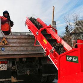 Старокостянтинівська міська територіальна громада отримала пристрій для подрібнення відходів деревини