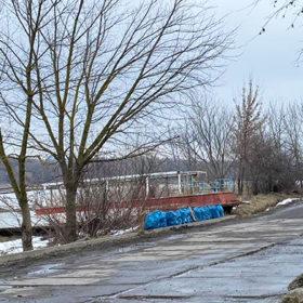 Активісти зібрали 18 мішків сміття на одній з вулиць Хмельницького.
