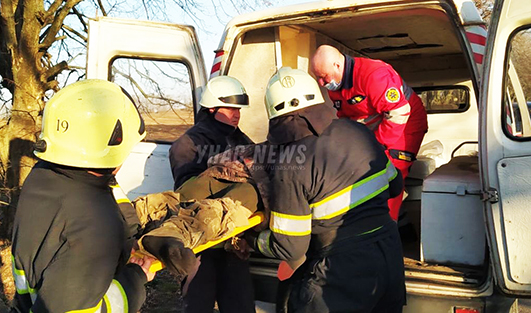 Постраждалих пасажирів з травмами доставили до Старокостянтинівської багатопрофільної лікарні.