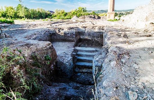 Дослідження території Сатанівського замку та ділянки біля середньовічної синагоги