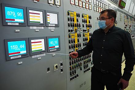 Повномасштабний тренажер  блочного щита управління