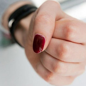 женский кулак