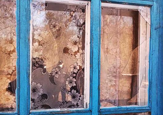 До прибуття поліцейського нетверезий селянин встиг побити вікна в адмінбудівлі