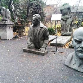 Декомунізовані пам'ятники
