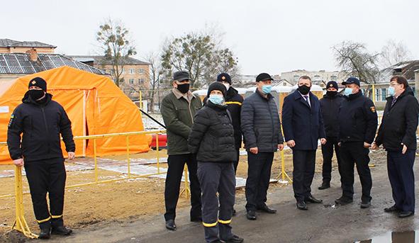 Голова Хмельницької ОДА Сергій Гамалій особисто перевірив готовність госпіталю до прийому хворих.