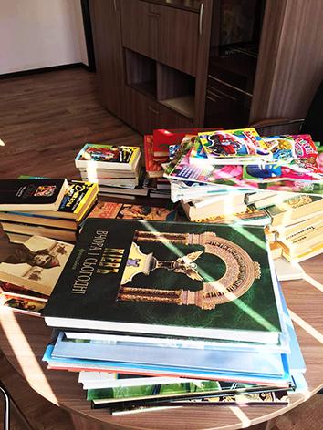 У Хмельницькому збирають книги для літніх людей