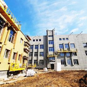 У Хмельницькому триває будівництво школи за 180 мільйонів