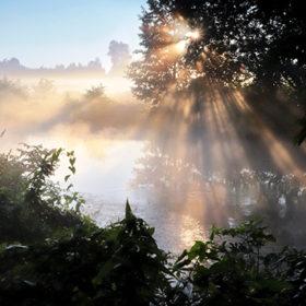 туман над водою