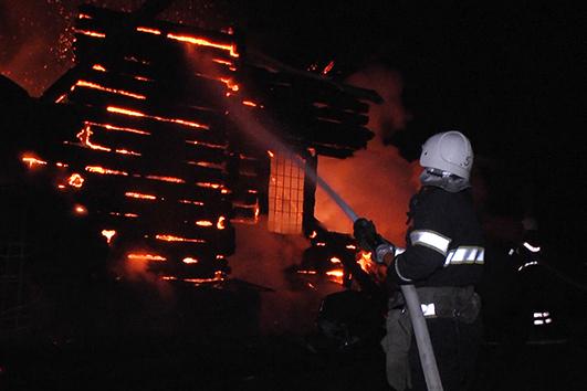 Пожежа у храмі Різдва Божої Матері виникла учора, 16 квітня о 20:54.
