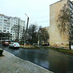 У Хмельницькому завершили ремонт двох прибудинкових територій