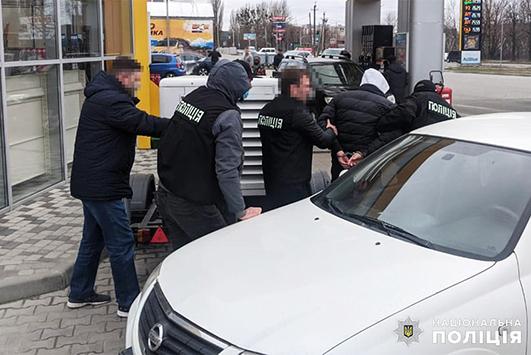 Двох чоловіків, які влаштували стрілянину у Городку, затримали у Хмельницькому.