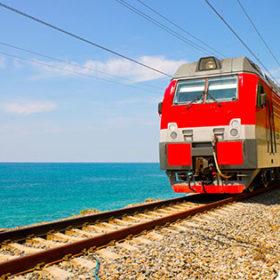 поезд море