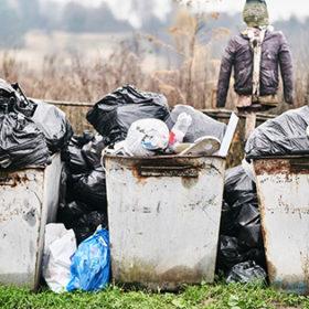 сміттєві баки