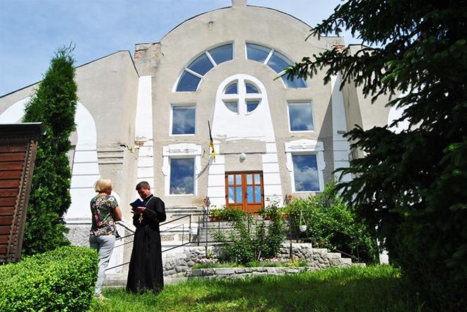 Церква у селі Юринці Хмельницького району
