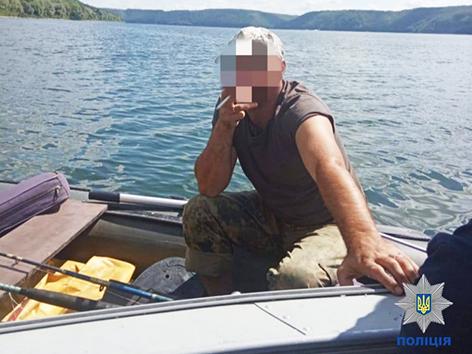 Нетерезого кермувальника човна виявили на Дністрі
