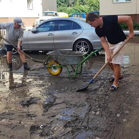 прибирання бруду у Хмельницькому